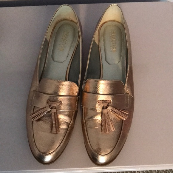 a2923eaa0763 Kenneth Cole Reaction Shoes - Women s size 10 rose gold slip on shoes